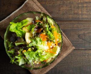 salada com granola